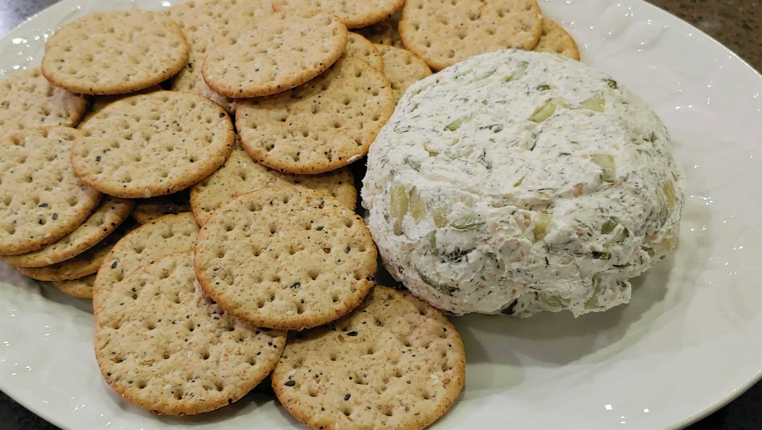 cheese ball appetizer - Dining in the Danielle